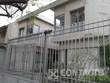 Avenida Emilio Civit 157, Ciudad